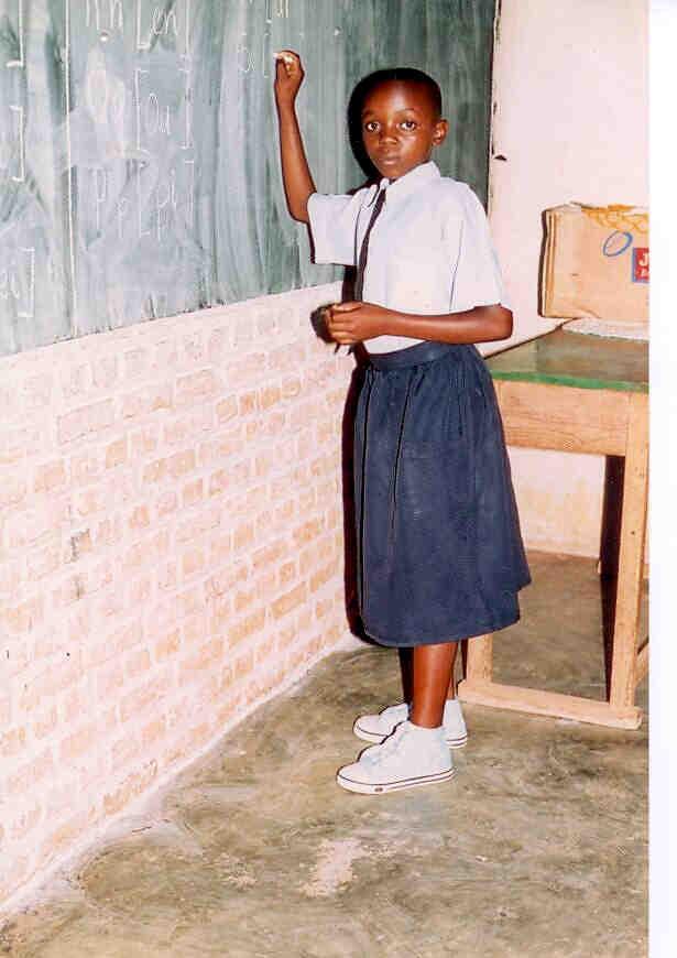 Tento kalendář vznikl za účelem pomoci financovat základní vzdělání jedné africké (z Rwandy) dívce jménem Pascaline. Výtěžek z jeho prodeje jí byl zaslán a umožnil Pascaline vzdělání ve škole. Poděkování patří všem, které se na jeho nafocení podílely a také Pascaline, že se vzorně učí.